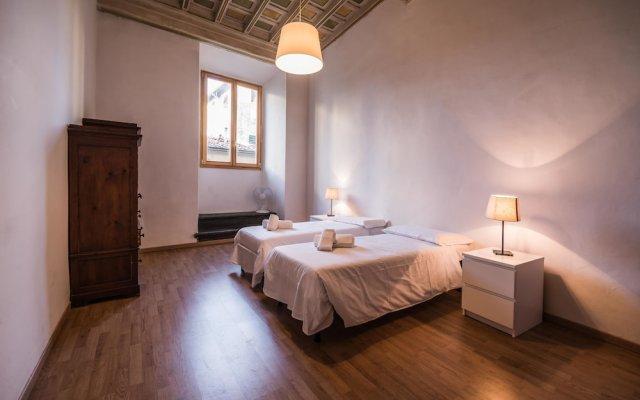 Отель Close to The Duomo Exquisite 4BD комната для гостей