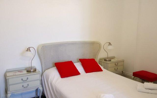 Отель Apartamentos Imagine Madrid комната для гостей