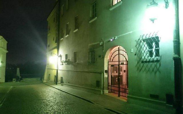 Отель Little Home - Empire Польша, Варшава - отзывы, цены и фото номеров - забронировать отель Little Home - Empire онлайн вид на фасад