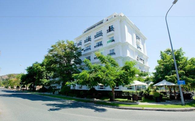 Paragon Villa Hotel вид на фасад