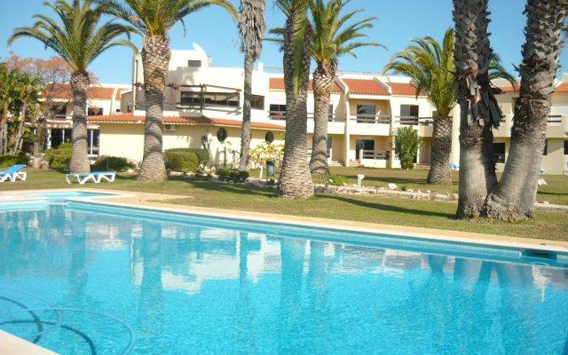 Praia da Lota Resort - Hotel бассейн