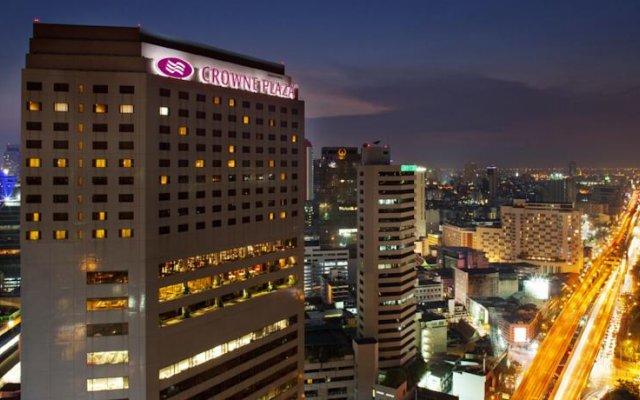 Отель Crowne Plaza Bangkok Lumpini Park, an IHG Hotel Таиланд, Бангкок - отзывы, цены и фото номеров - забронировать отель Crowne Plaza Bangkok Lumpini Park, an IHG Hotel онлайн вид на фасад