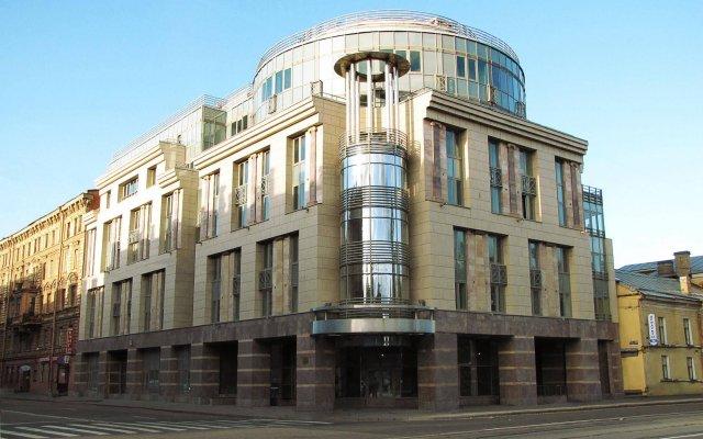 Гостиница Статский Советник вид на фасад