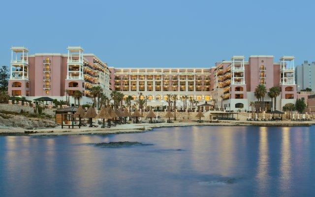 Отель The Westin Dragonara Resort, Malta вид на фасад