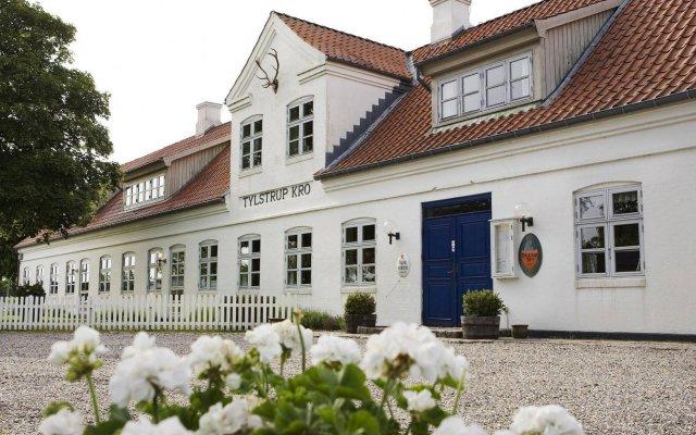 Отель Tylstrup Kro вид на фасад