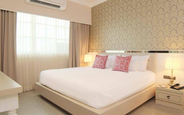 Отель The Raya Surawong Bangkok Бангкок комната для гостей