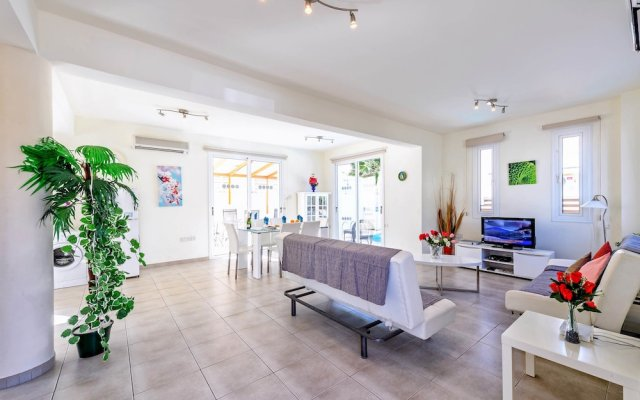 Отель Villa Galina Кипр, Протарас - отзывы, цены и фото номеров - забронировать отель Villa Galina онлайн комната для гостей