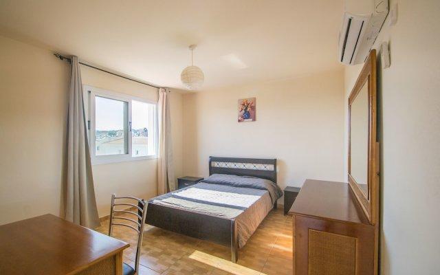 Апартаменты Konnos Apartment 1 комната для гостей