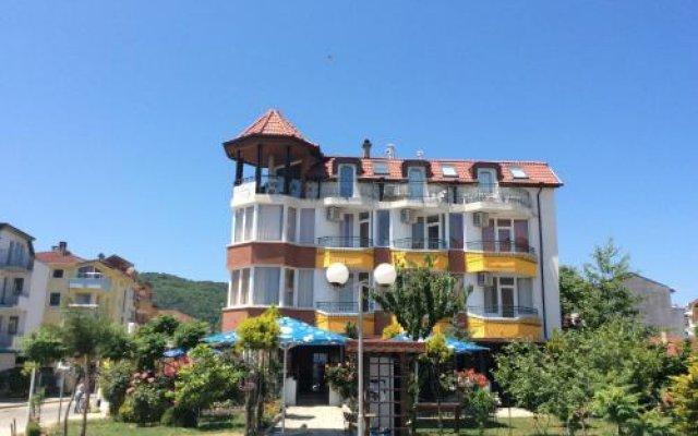 Отель Sunny Island Obzor Болгария, Аврен - отзывы, цены и фото номеров - забронировать отель Sunny Island Obzor онлайн вид на фасад
