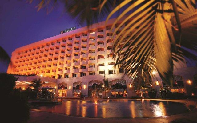 Отель The LaLiT Mumbai вид на фасад