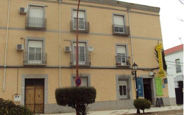 Отель Hostal La Estación Саэлисес вид на фасад