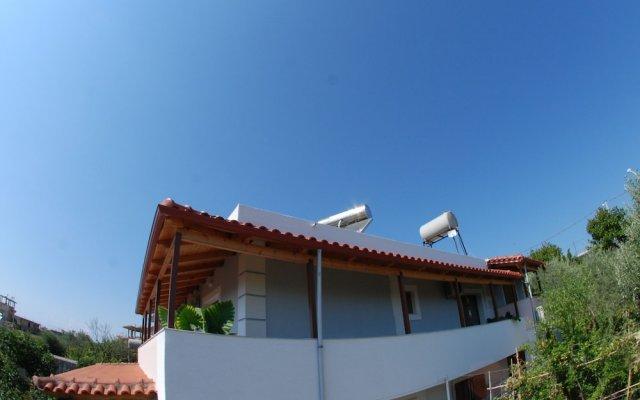 Отель Natural Holiday Houses Албания, Ксамил - отзывы, цены и фото номеров - забронировать отель Natural Holiday Houses онлайн вид на фасад