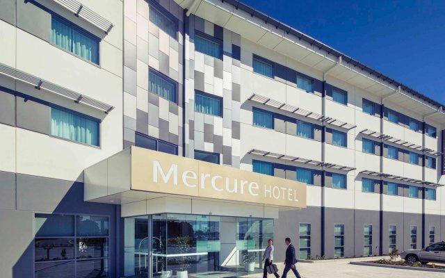 Отель Mercure Newcastle Airport вид на фасад