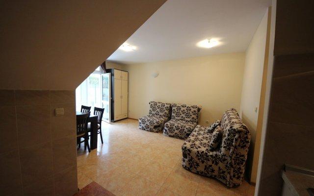 Апартаменты Menada Elit IV Apartments Солнечный берег комната для гостей