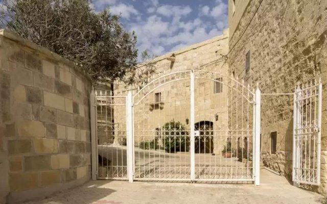 Отель Gozo Houses of Character вид на фасад
