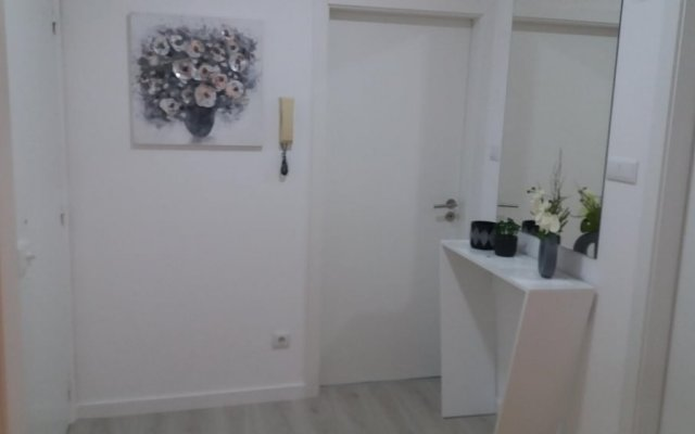 Апартаменты Apartment With 2 Bedrooms in Fajã de Baixo, With Wonderful sea View, Furnished Garden and Wifi - 1 km From the Beach Понта-Делгада