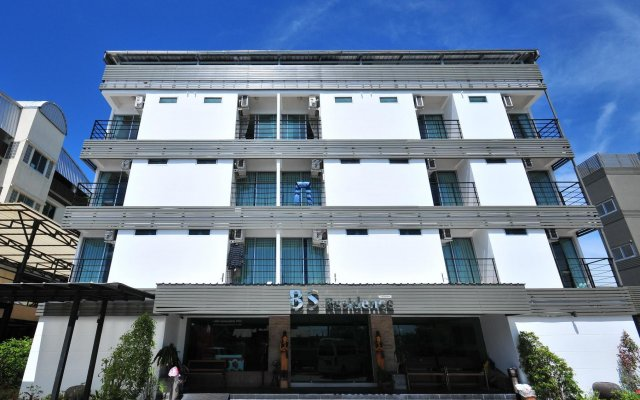 Отель Bs Residence Suvarnabhumi Бангкок вид на фасад