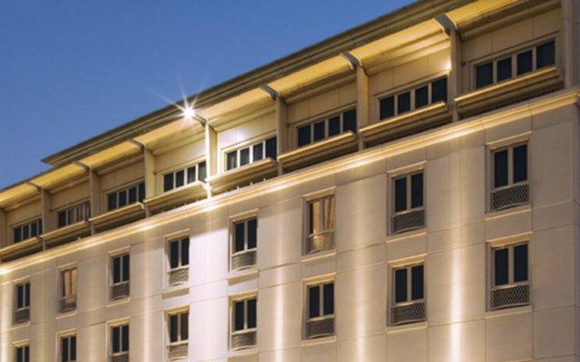 Mövenpick Hotel Bur Dubai вид на фасад