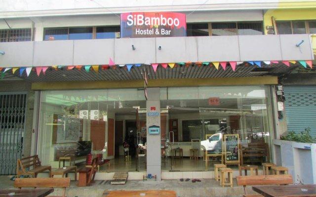 Sibamboo Hostel & Bar Бангкок вид на фасад