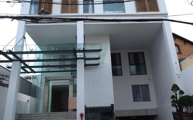 Отель Glenwood Suites вид на фасад