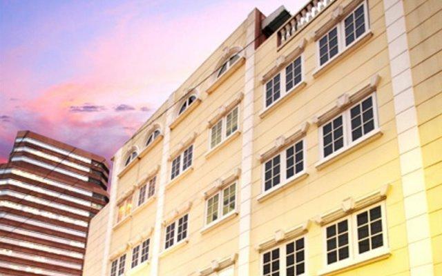 Отель Sawasdee Langsuan Inn Бангкок вид на фасад