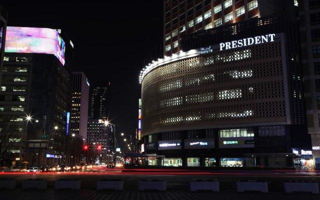 Hotel President вид на фасад