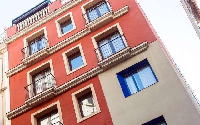 Отель Catalonia Avinyó Испания, Барселона - 8 отзывов об отеле, цены и фото номеров - забронировать отель Catalonia Avinyó онлайн вид на фасад