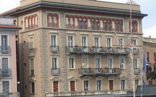 Отель Belvedere Италия, Вербания - отзывы, цены и фото номеров - забронировать отель Belvedere онлайн вид на фасад