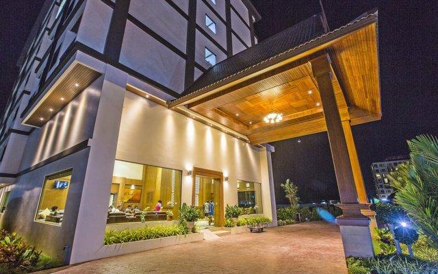 Отель Airport Resort & Spa вид на фасад