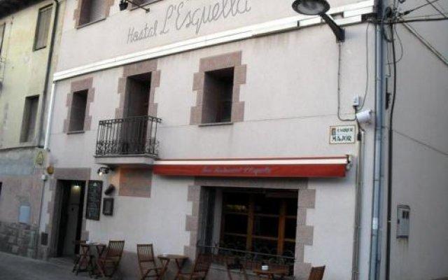 Отель Hostal L'esquella Сант-Марти-де-Сентеллес вид на фасад