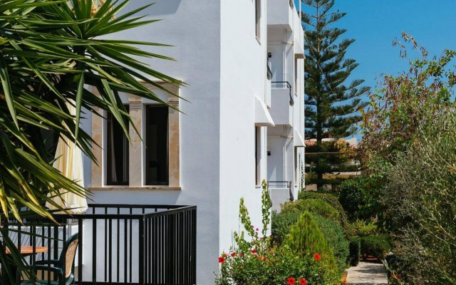 Paradise Hotel Apartments in Malia, Greece from 75$, photos, reviews - zenhotels.com hotel front