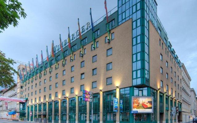 Отель ARCOTEL Wimberger Vienna вид на фасад