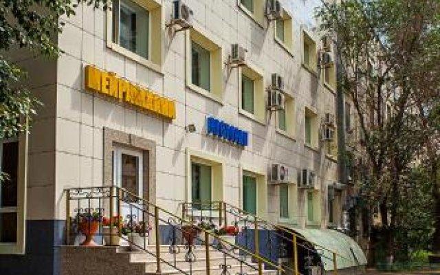 Гостиница Topaz Казахстан, Нур-Султан - отзывы, цены и фото номеров - забронировать гостиницу Topaz онлайн вид на фасад