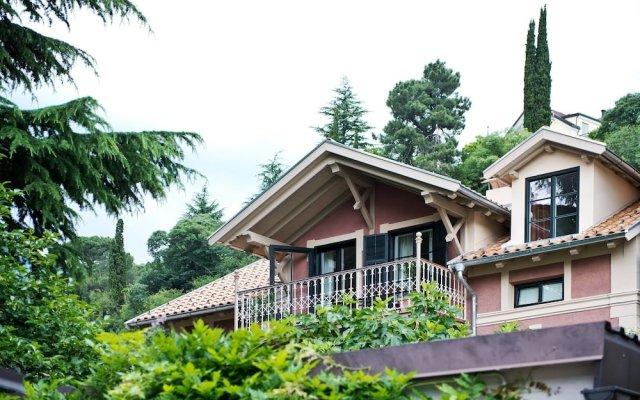 Отель Villa Bergmann Suites Meran Меран вид на фасад