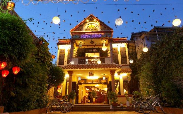 Отель Nhi Nhi Хойан вид на фасад