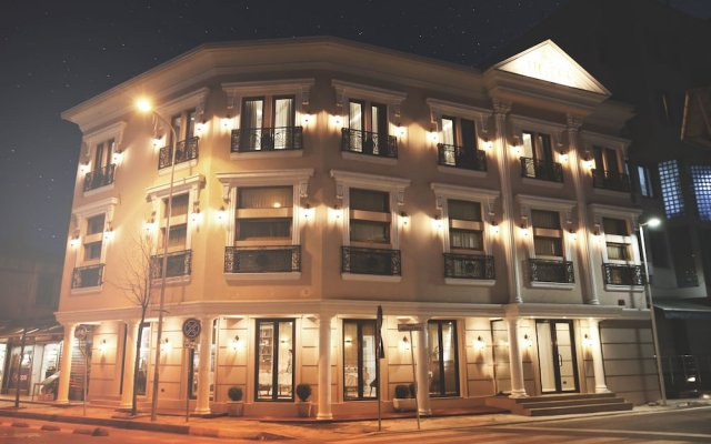 Hotel Stela City Center вид на фасад