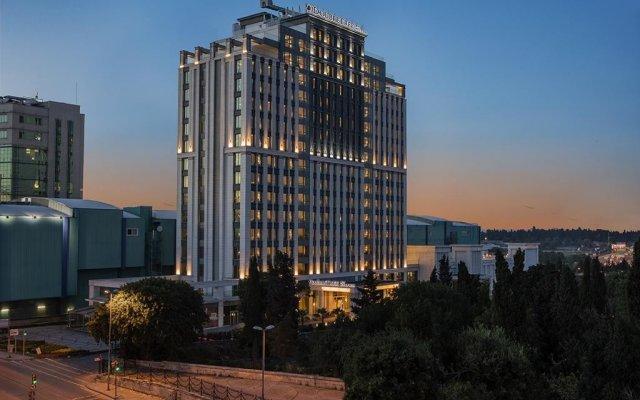 Отель DoubleTree by Hilton Istanbul Topkapi вид на фасад