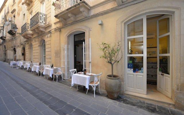 Hotel Gargallo Сиракуза вид на фасад