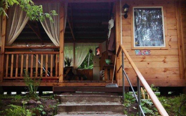 Гостиница Турбаза в Катуни отзывы, цены и фото номеров - забронировать гостиницу Турбаза онлайн Катунь вид на фасад