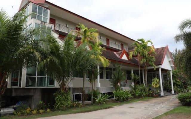 Отель L'esprit de Naiyang Beach Resort вид на фасад