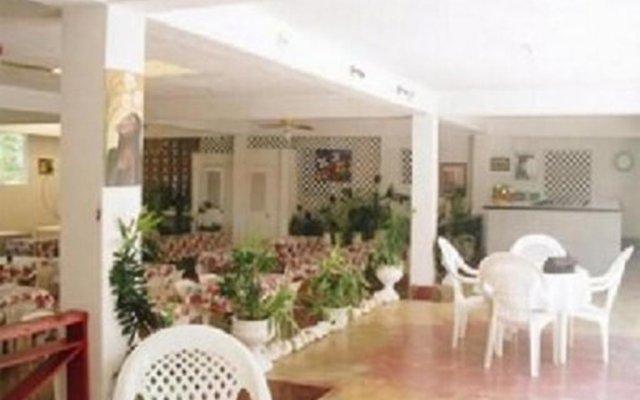Отель Sunflower Villas Ямайка, Ранавей-Бей - отзывы, цены и фото номеров - забронировать отель Sunflower Villas онлайн вид на фасад