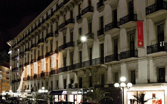 Отель B4 Park Nice Ницца вид на фасад