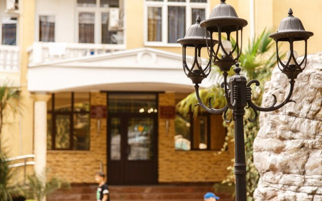 Гостиница Грэйс Кипарис вид на фасад
