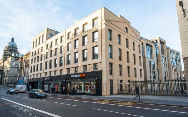 Отель ibis Edinburgh Centre South Bridge - Royal Mile вид на фасад