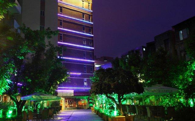 Guangzhou The Royal Garden Hotel вид на фасад
