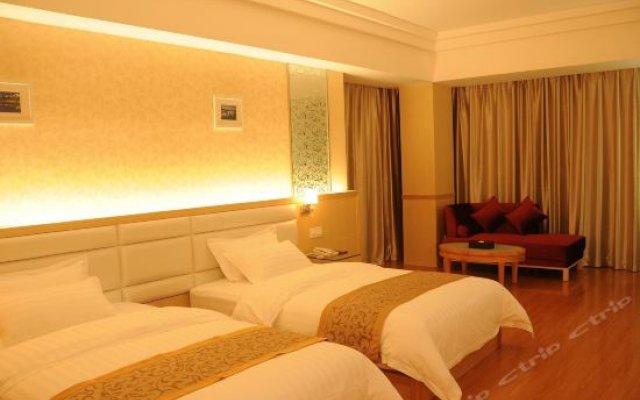 Q+ Garden Holiday Hotel комната для гостей