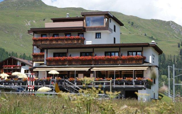 Отель Kesslers Kulm Швейцария, Давос - отзывы, цены и фото номеров - забронировать отель Kesslers Kulm онлайн вид на фасад