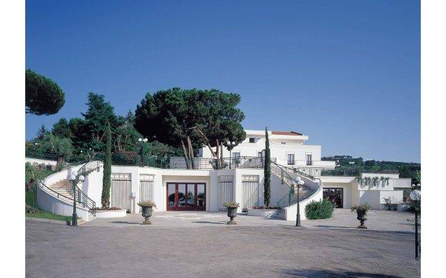 Отель Domus Caesari вид на фасад