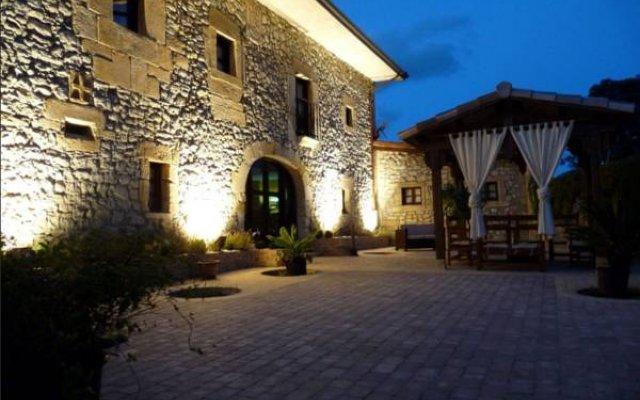Отель Posada El Pozo Рибамонтан-аль-Мар вид на фасад
