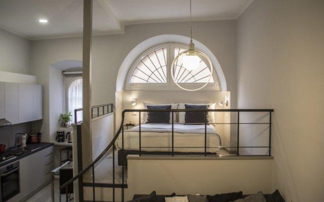 Отель Charming Loft near the Roman Forum комната для гостей